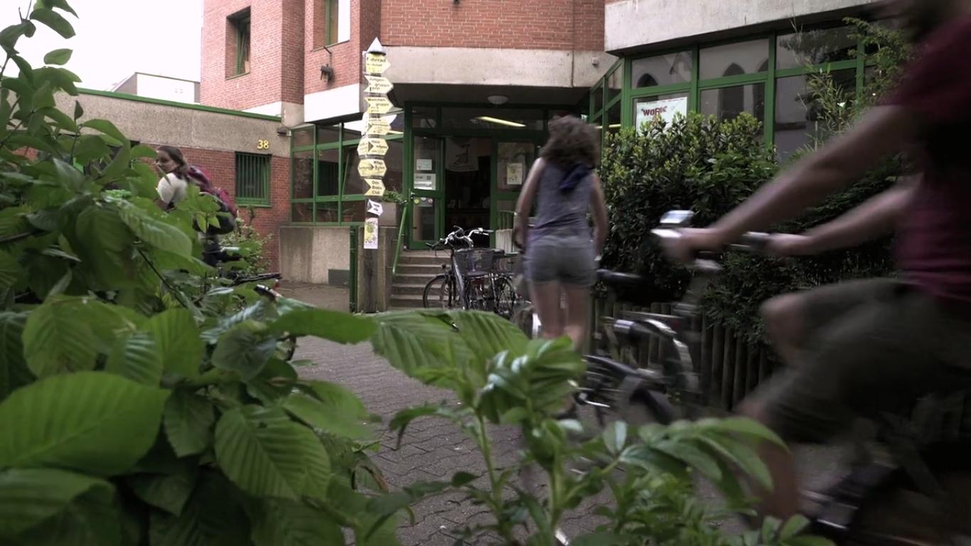 Degrowth in Movements: Buen Vivir