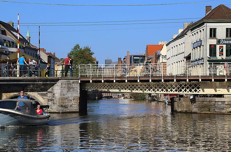 Urban commons initiatives in the city of Ghent: a Commons Transition Plan by Bauwens